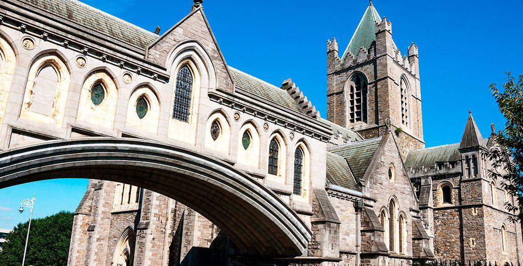 ... Y la Catedral de Christ Church