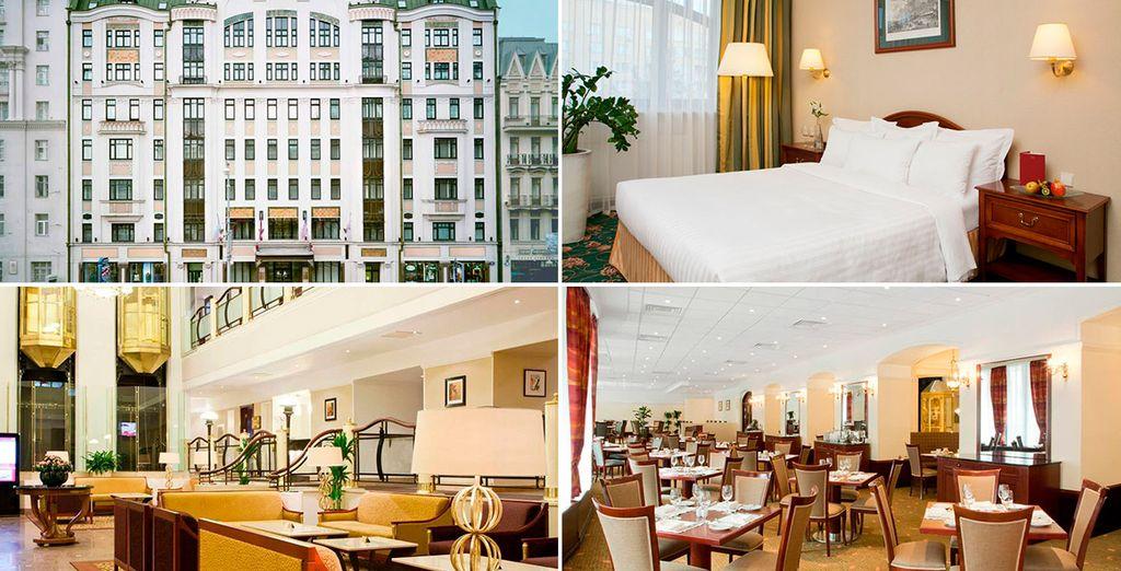O bien podrás alojarte en el Moscow Marriot Tverskaya Hotel 4*