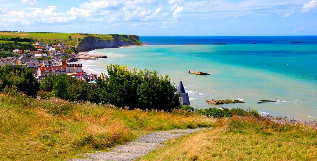 En Arromanches visitarás las playas del Desembarco donde llegaron las tropas aliadas a liberar Europa en 1944