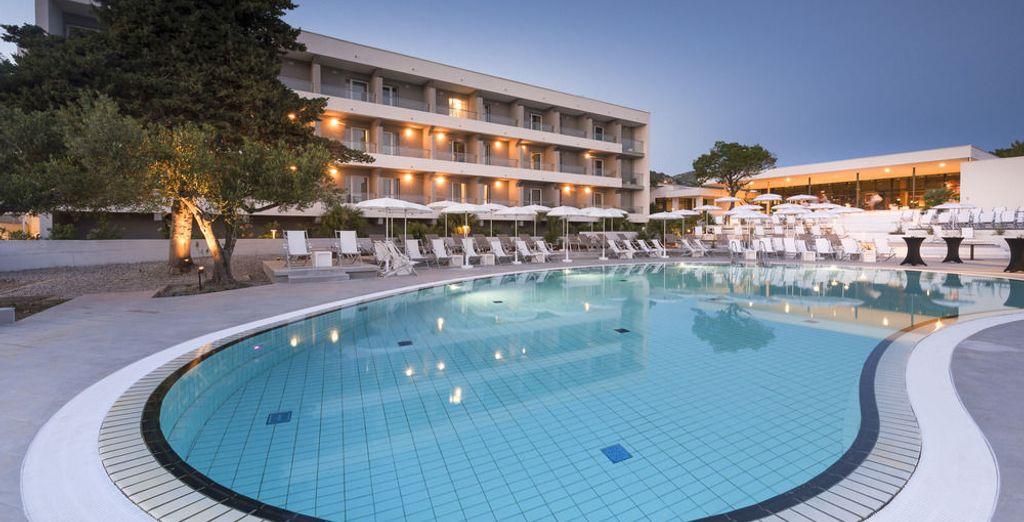 En Hvar el alojamiento será Pharos Hvar Hotel