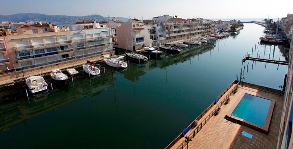Admira la belleza de la Venecia española