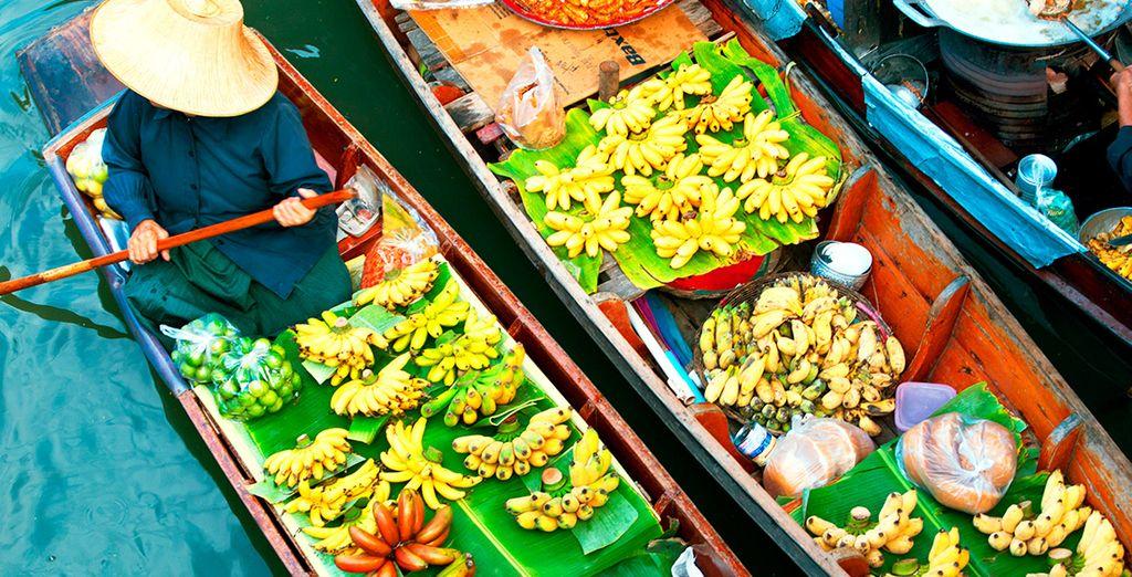 Acércate al bonito mercado flotante de Damnuen Saduak