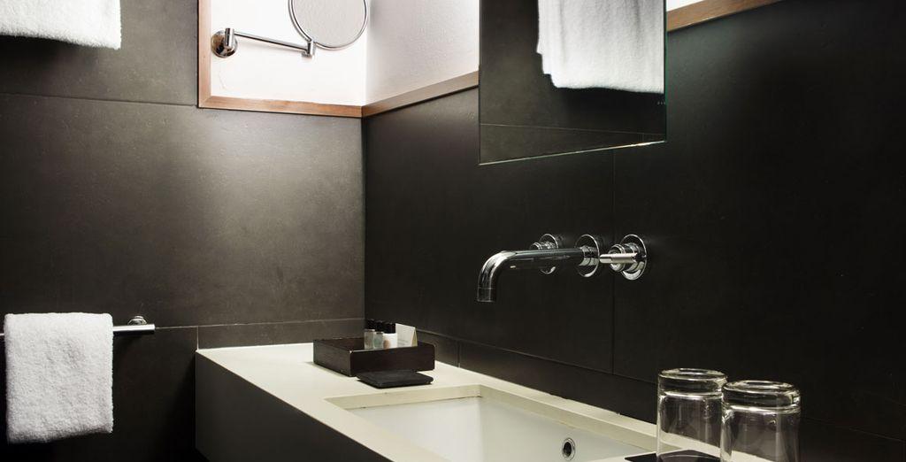 Todas las habitaciones cuentan con un moderno baño