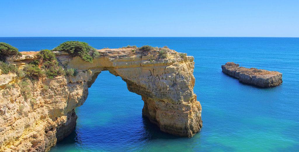 ... en Algarve, ante un mar azul