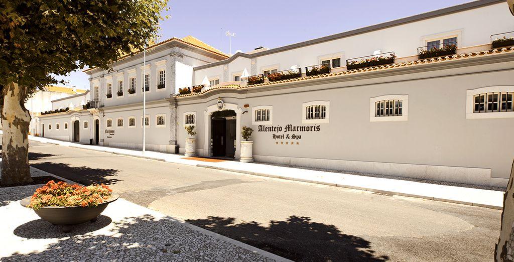 Alentejo Marmòris Hotel & SPA 5* pone a tu disposición un espacio lleno de tranquilidad