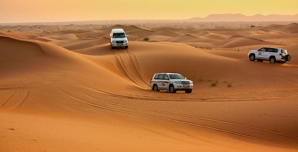 A donde seréis conducidos en jeep, para contemplar la puesta de sol árabe y varios espectáculos