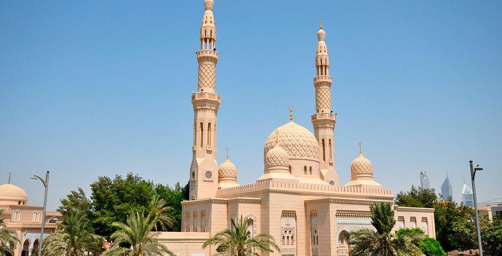 Realizaréis una parada junto a la mezquita de Jumeirah