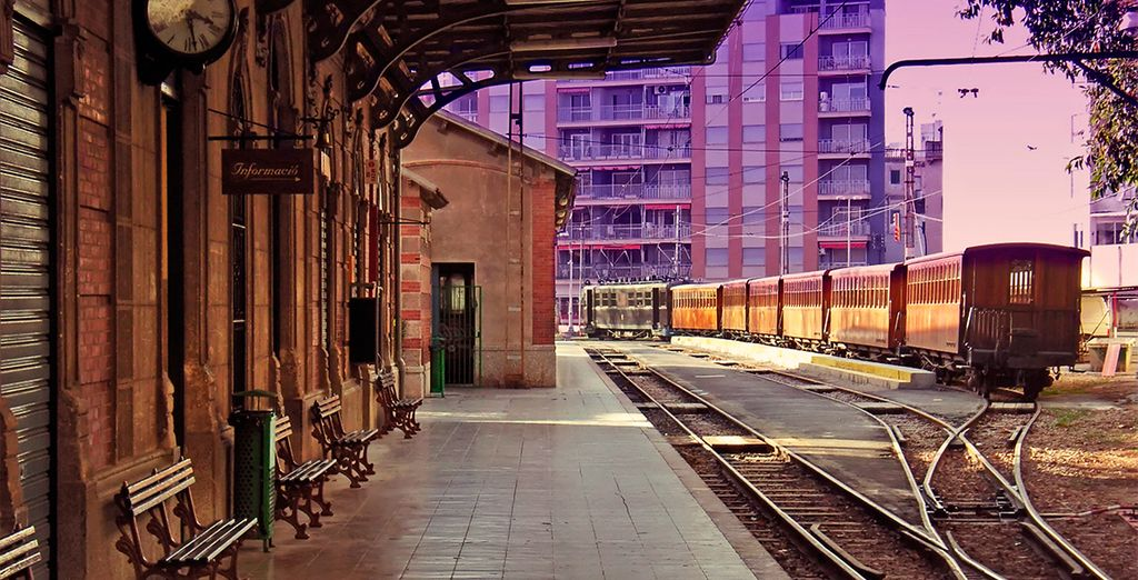 Con casi un siglo de vida, el tren de Sóller sigue manteniendo todo el encanto del pasado