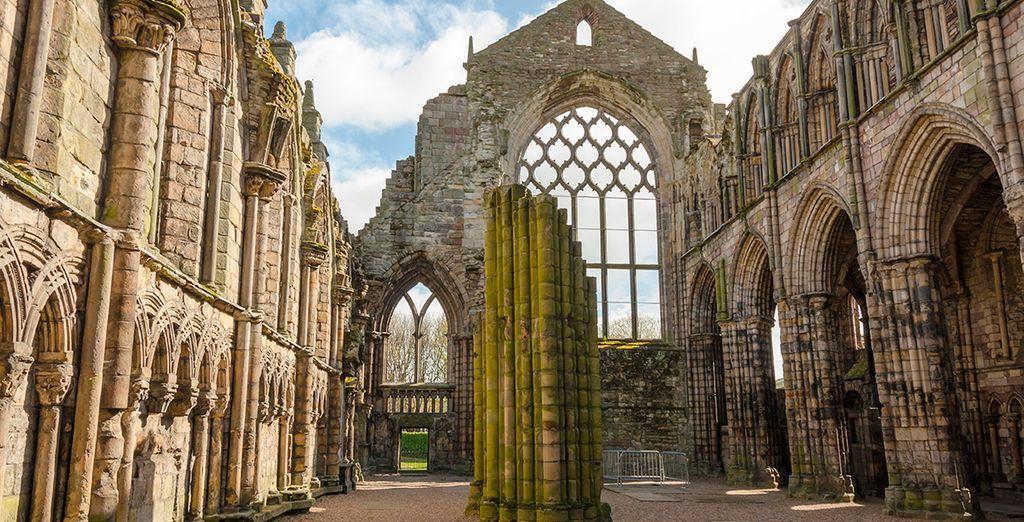 La Abadía de Holyrood, uno de los grandes atractivos de Edimburgo