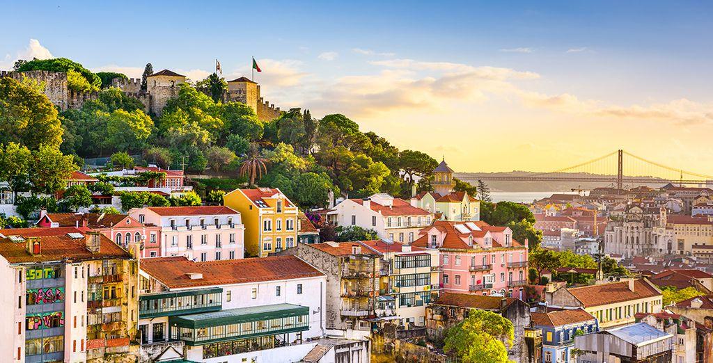 Acércate a Lisboa, a una hora en coche de Tróia Design Hotel 5*