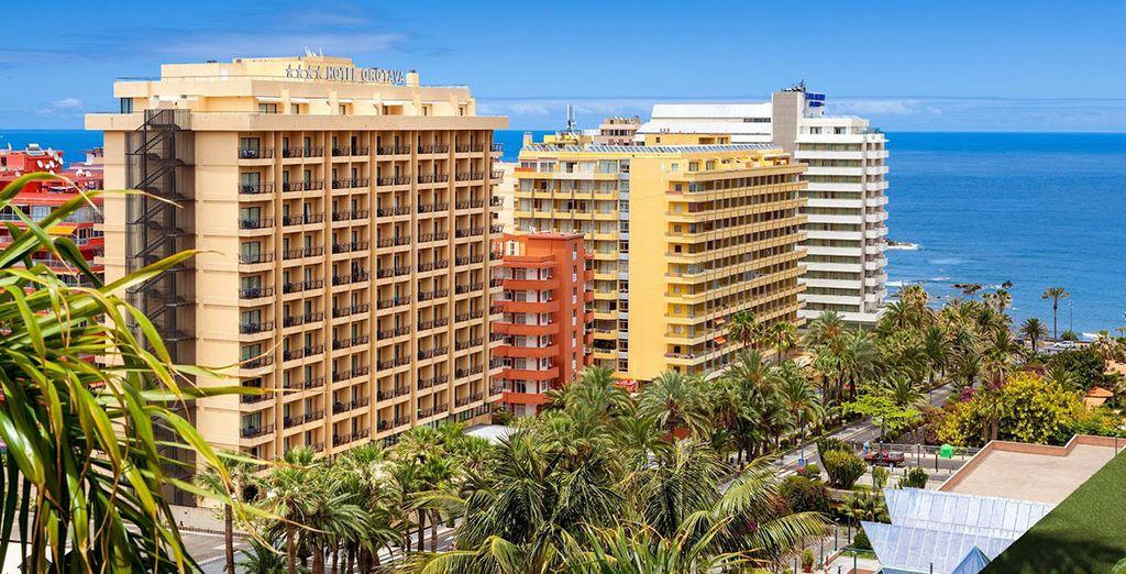 Situado en Puerto de la Cruz, ofrece vistas espectaculares al mar