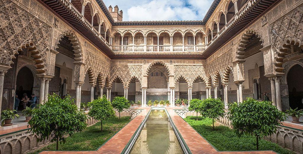 El Real Alcázar, a pocos minutos