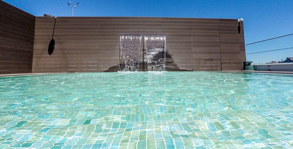 Date un baño en la piscina de la azotea