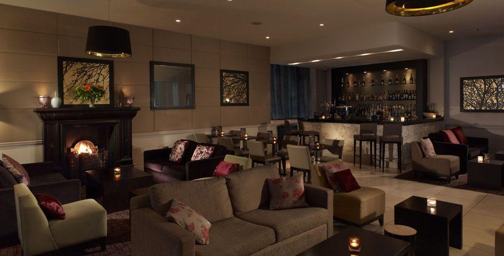 Un hotel elegante y moderno por dentro