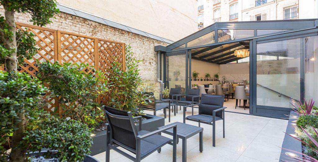 hotel jardin de villiers voyage priv hasta 70. Black Bedroom Furniture Sets. Home Design Ideas