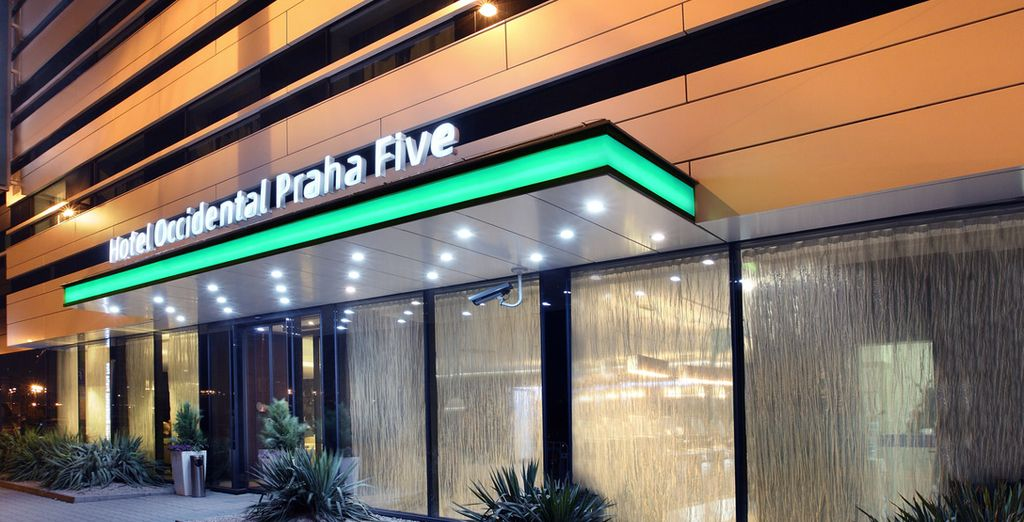 Un lujoso y confortable hotel situado a 200 metros de la estación de metro de Anděl