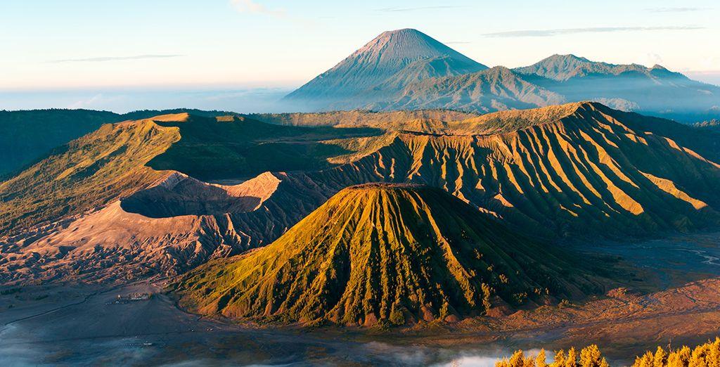 El quinto día realizaréis una excursión para contemplar el amanecer en el monte Bromo