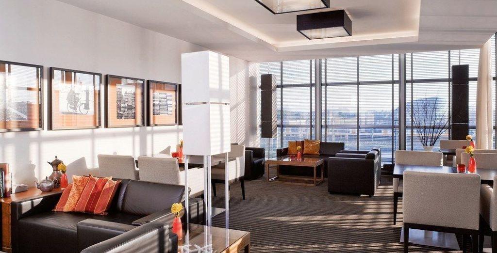 Con acceso a Executive Lounge (que incluye vino gratis la casa, cerveza y aperitivos todos los días durante la