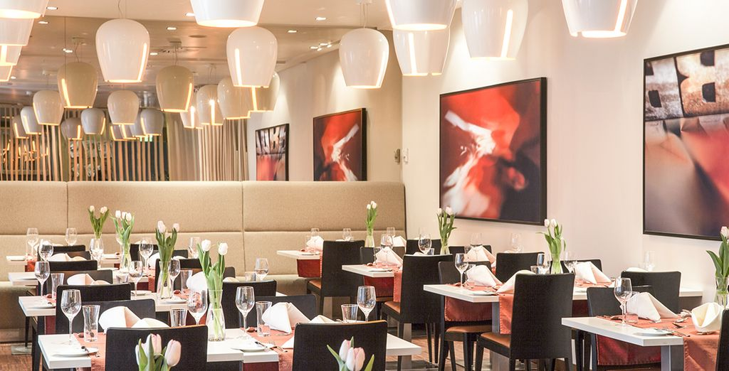 El restaurante a la carta prepara platos de cocina nacional e internacional