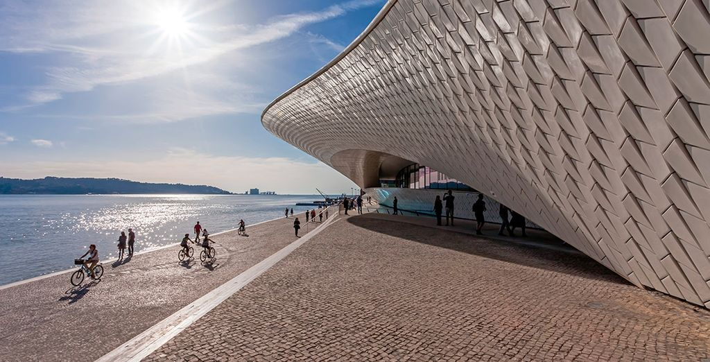 Aprovecha para visitar el MAAT - Museo de Arte, Arquitectura y Tecnología