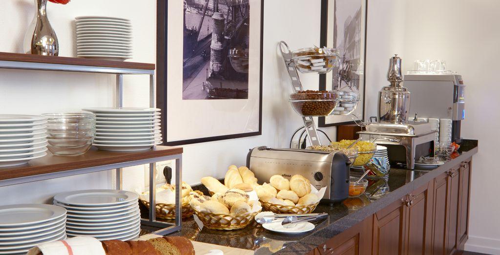 Disfruta de tu desayuno diario incluido