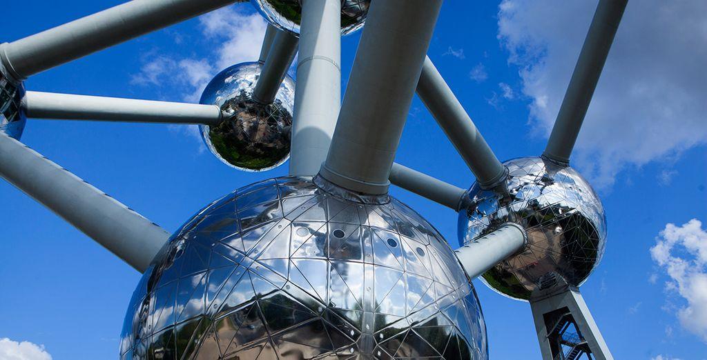 Recuerda visitar el conocido Atomium