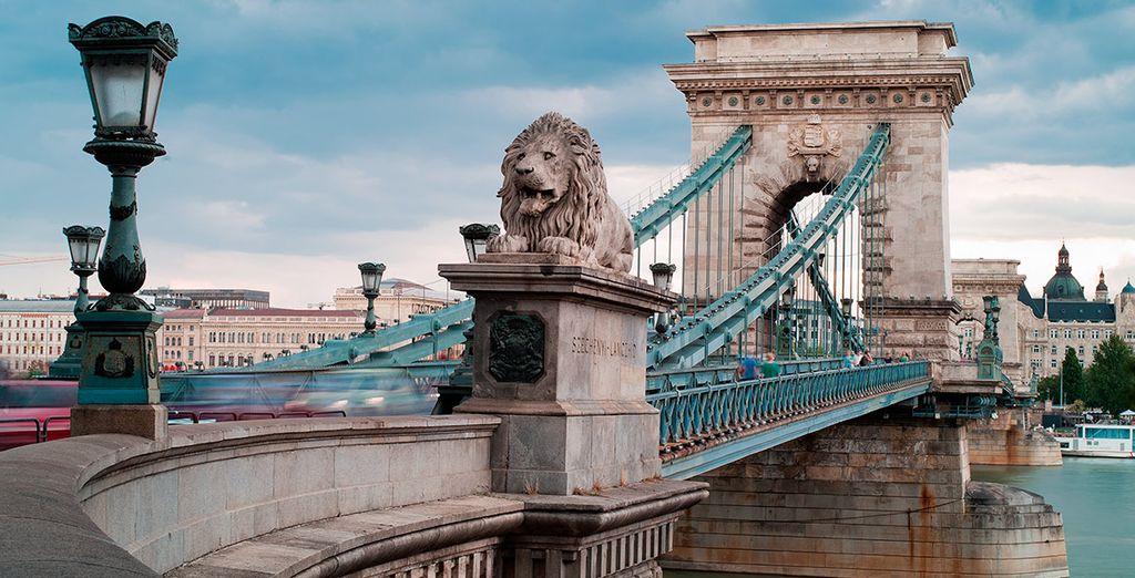 Una ciudad dividida por el río Danubio... ¡cruza el puente de las cadenas!