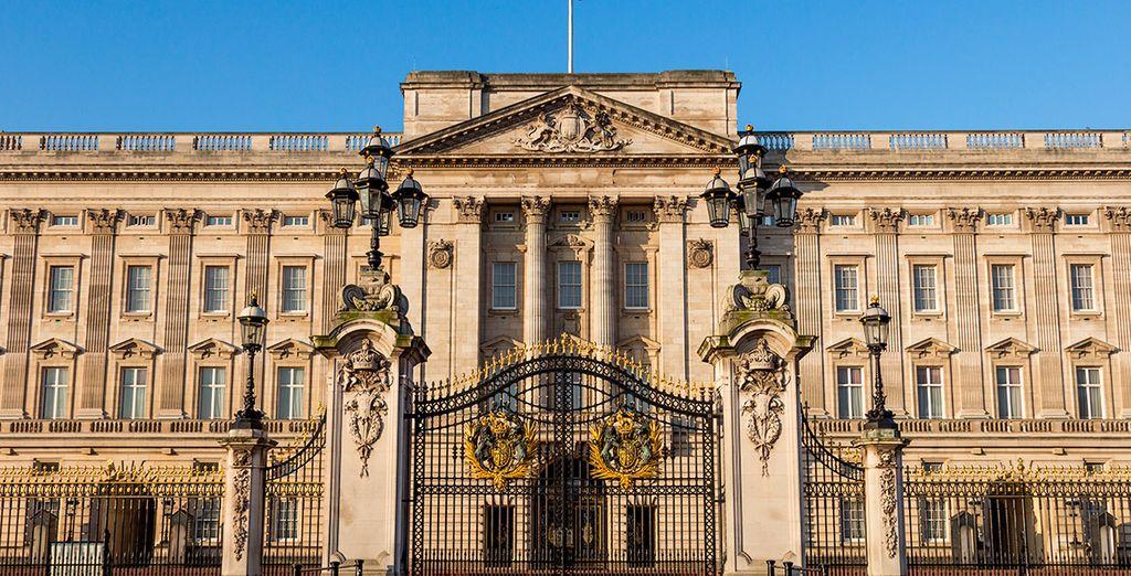Acércate a Buckingham Palace