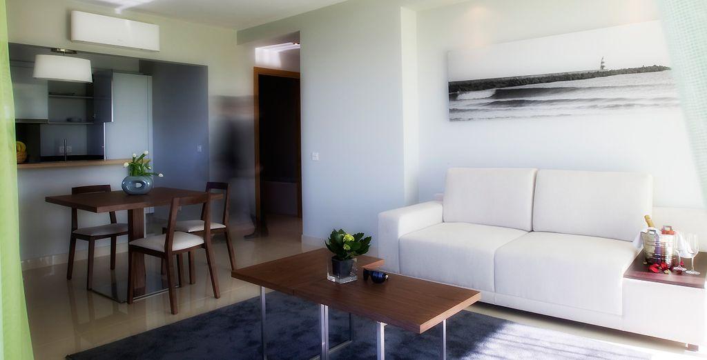 Disfruta de tu estancia en una completa y equipada Junior Suite