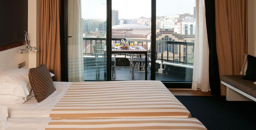 Descansa en tu habitación Standard con balcón completamente equipada