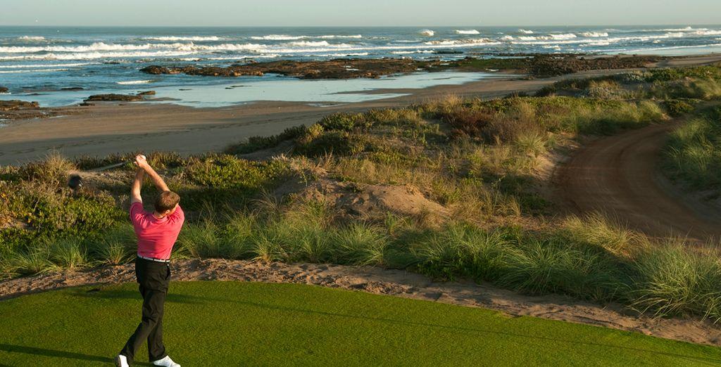 Practica golf con magníficas vistas