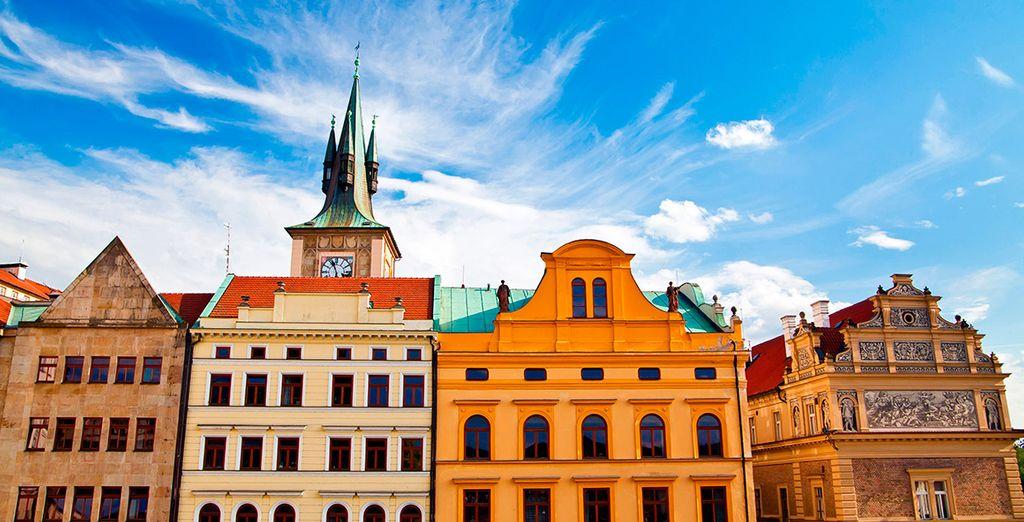 Bellos edificios se erigen a lo largo de la ciudad