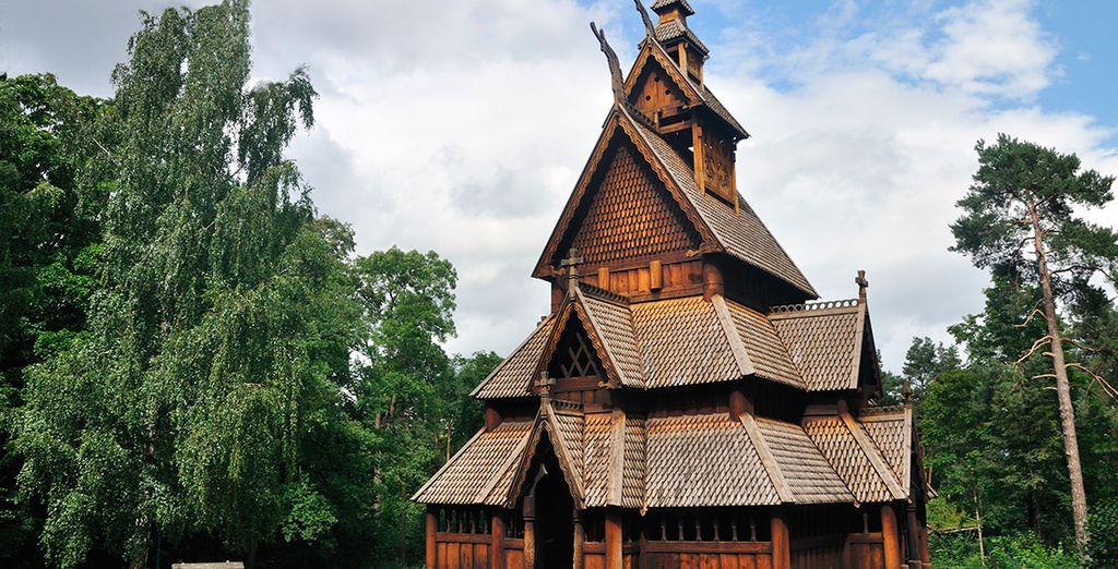 Opcionalmente, podrás visitar el Norsk Folkemuseum, en la Península de Bygdoy