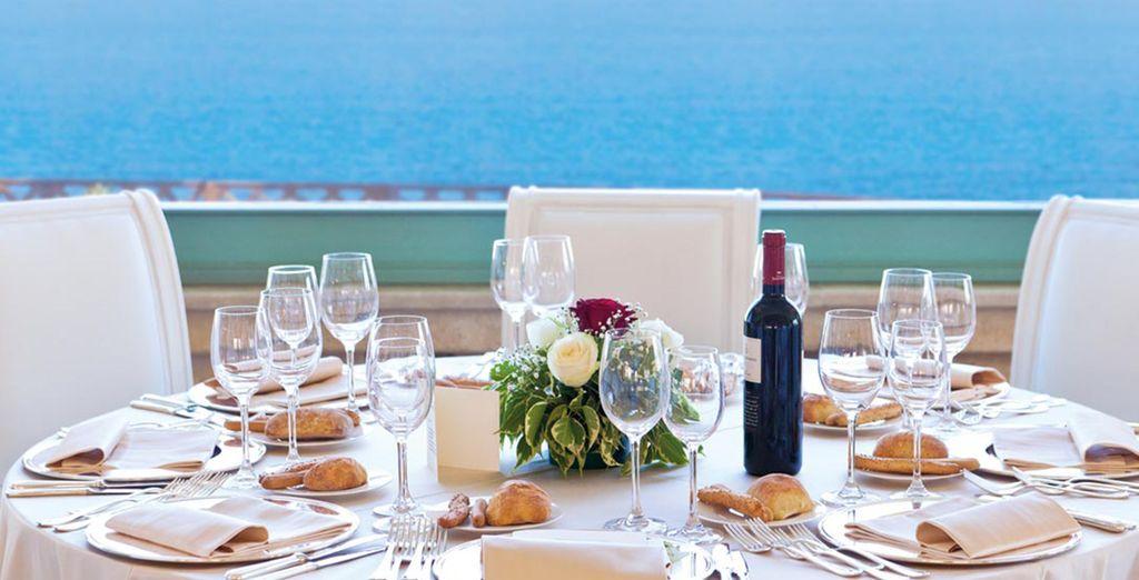 Las vistas al mar son únicas desde las mesas de la terraza