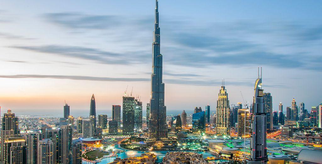 Tu primera parada será Dubái, una ciudad futurista y exótica