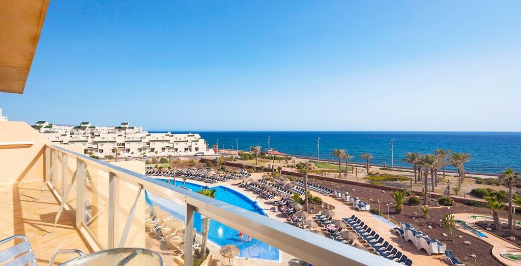 Cabogata Beach Hotel & Spa 4*