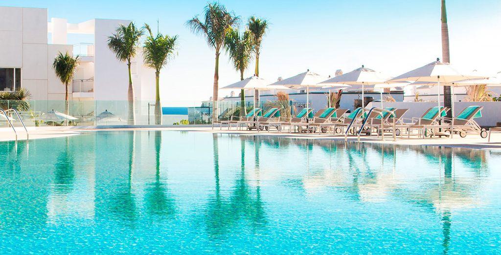 Hotel Lava Beach 5*