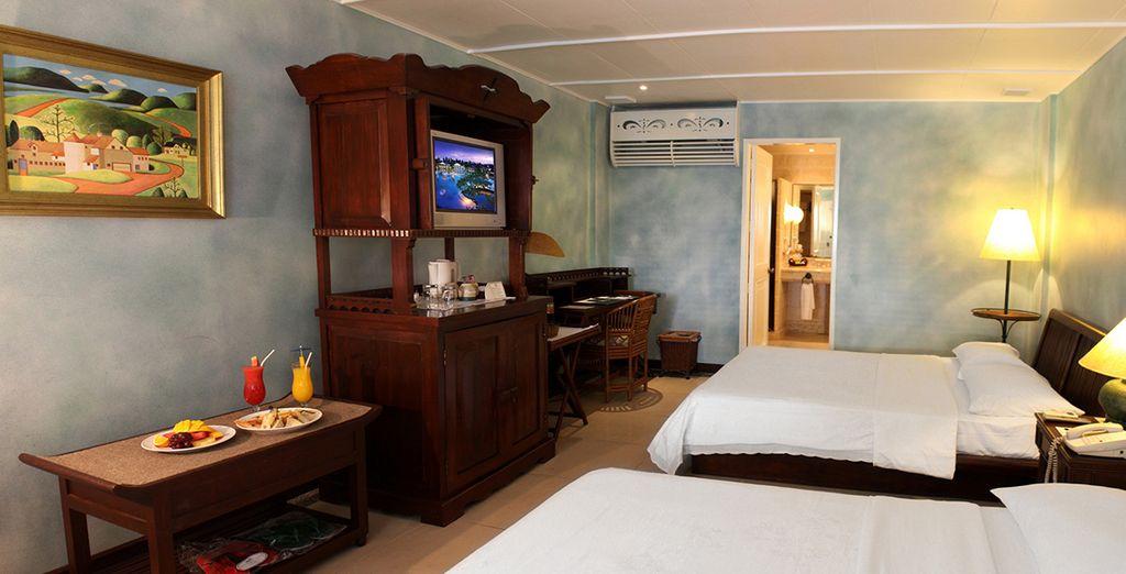 Alojamiento en amplias y confortables habitaciones en el Plantation Bay