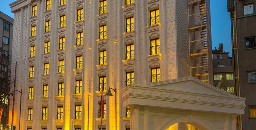 Bienvenido al Lausos Palace Hotel