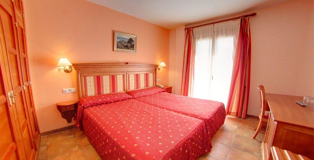 Descansa en tu confortable habitación Superior con vistas a la montaña