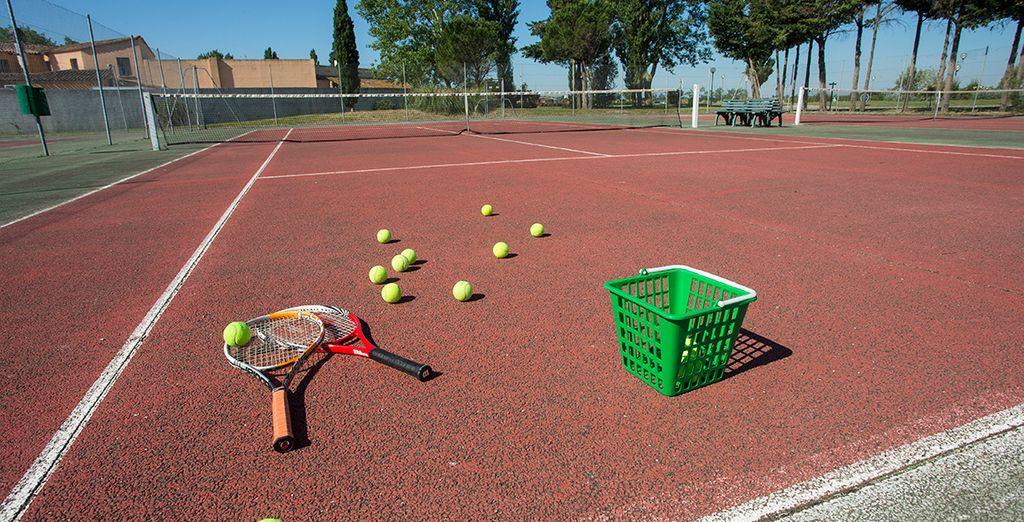 Practica tenis una hora al día
