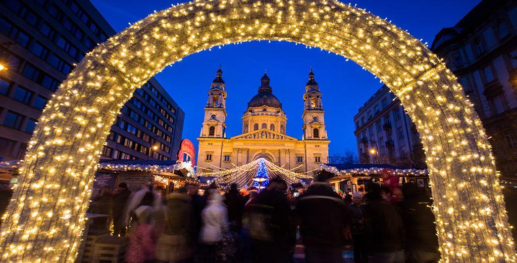 Si viajas en diciembre, podrás contemplar uno de los mercadillos navideños más mágicos de Europa