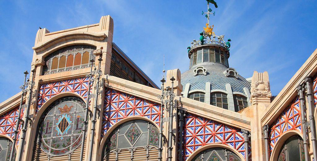 Edificios que guardan anécdotas e historia de la capital valenciana