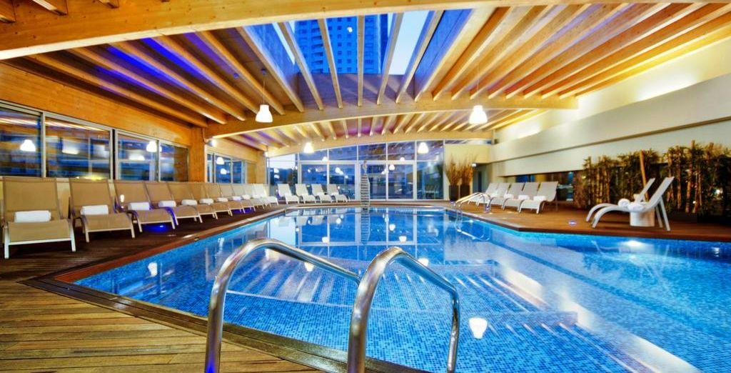 Dispondrás de acceso a la piscina interior y al gimnasio