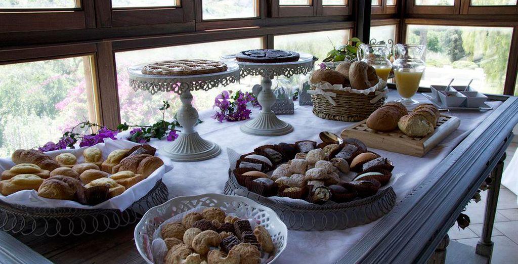 Entre los aromas de cítricos, se puede disfrutar del sabor de Sicilia en la sala de desayuno