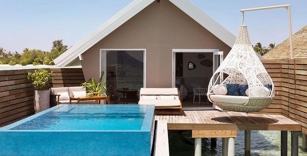 Una de las opciones que te presentamos es una increíble Romantic Pool Villa