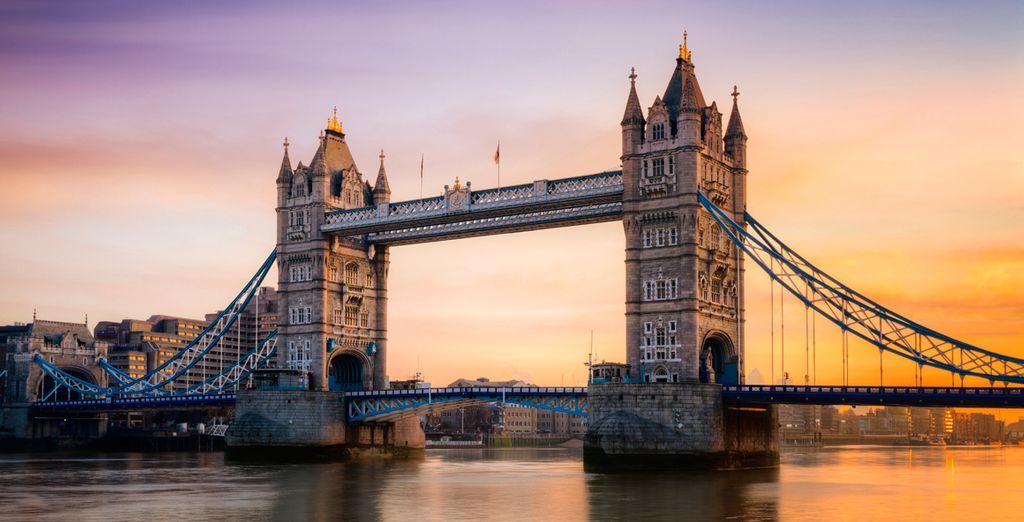Déjese impresionar por lugares como el Tower Bridge