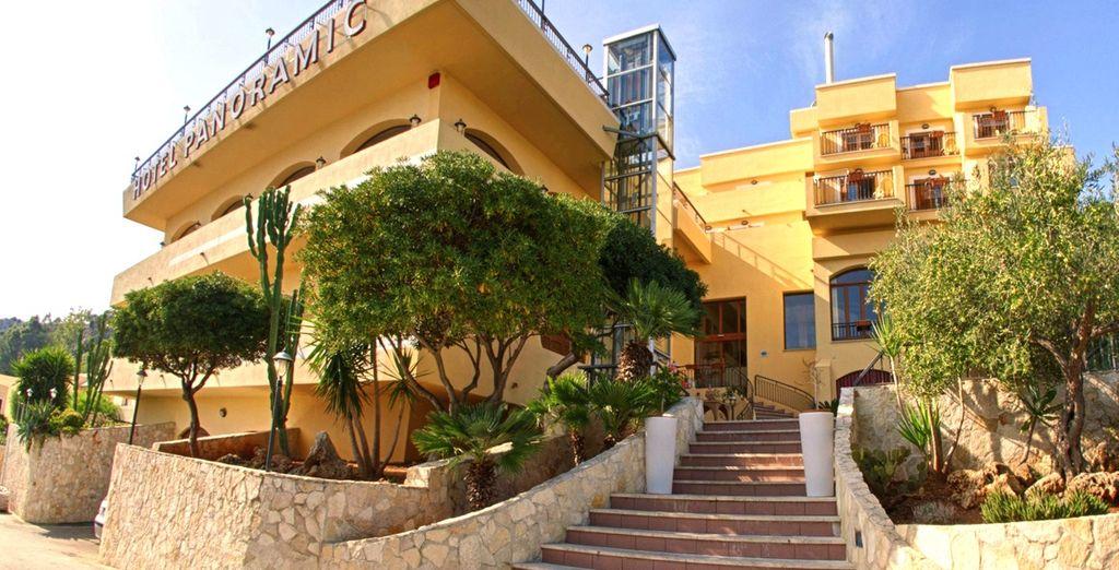 ... se encuentra el Hotel Panoramic en San Vito lo Capo, en la región de Trapani