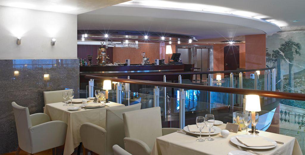 NH Napoli Ambassador también alberga un restaurante excelente
