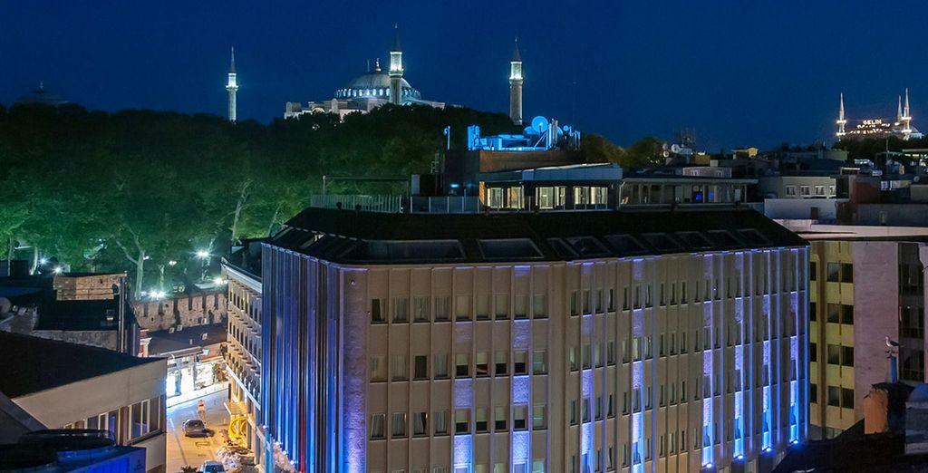 DoubleTree by Hilton Istanbul - Sirkeci dispone de una ubicación ideal para descubrirte Estambul